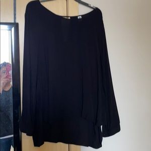 Old navy blouse with key hold on back neckline